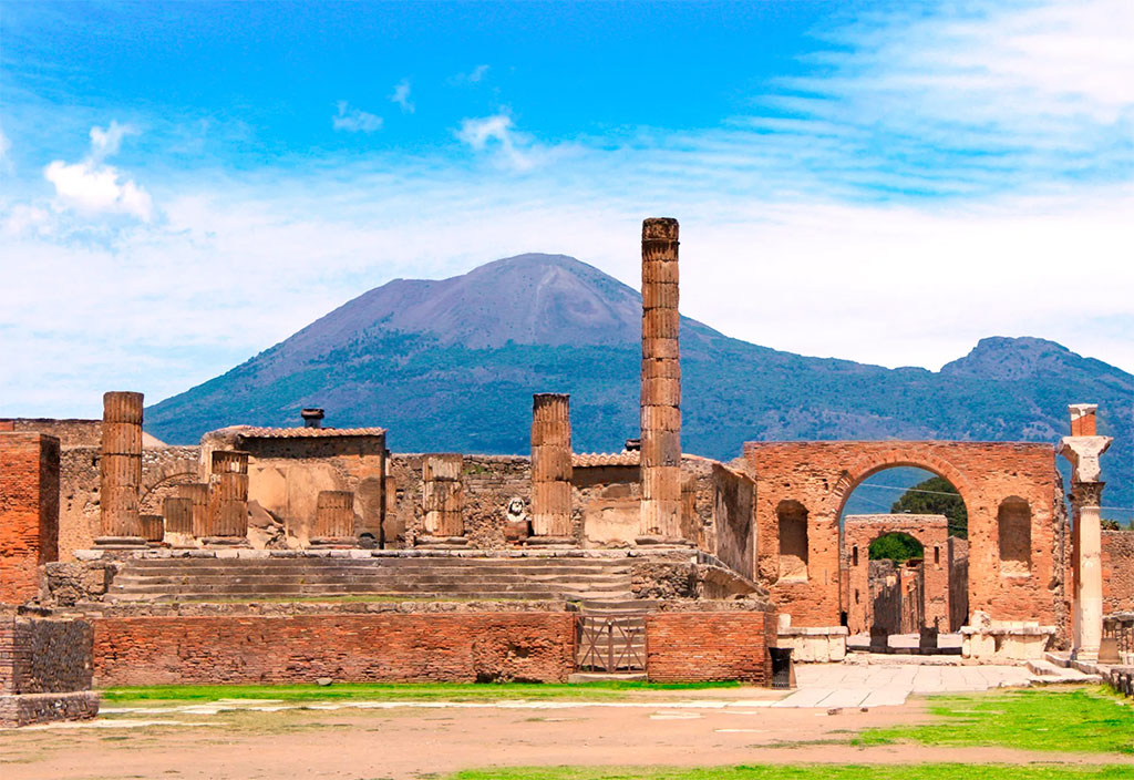 One of the sites to see when thinking about the best day trips from Rome
